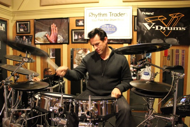 Thomas-Lang-V-Drum-Clinic-2012-9